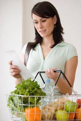 Belirtiler  Aşağıdaki belirtilerden 4 ya da daha fazlasına sahipseniz siz de sağlıklı beslenme hastası olabilirsiniz. - Sürekli bir sonraki öğünü düzenlemek. - Günler öncesinden menü planlamak. - Sürekli market dolaşmak, doğal ürünleri araştırmak. - Dışarıda yemek yememek.